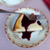 Cheesecake with blackberry coulis
