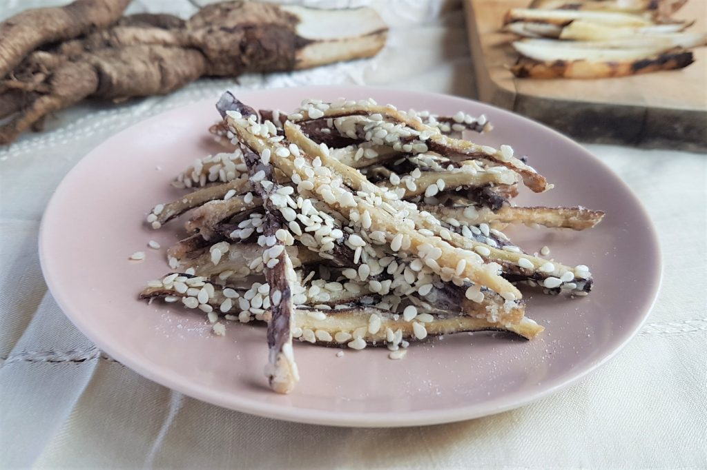 Sesame-fried burdock roots