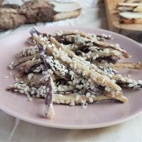 Sesame-fried burdock roots