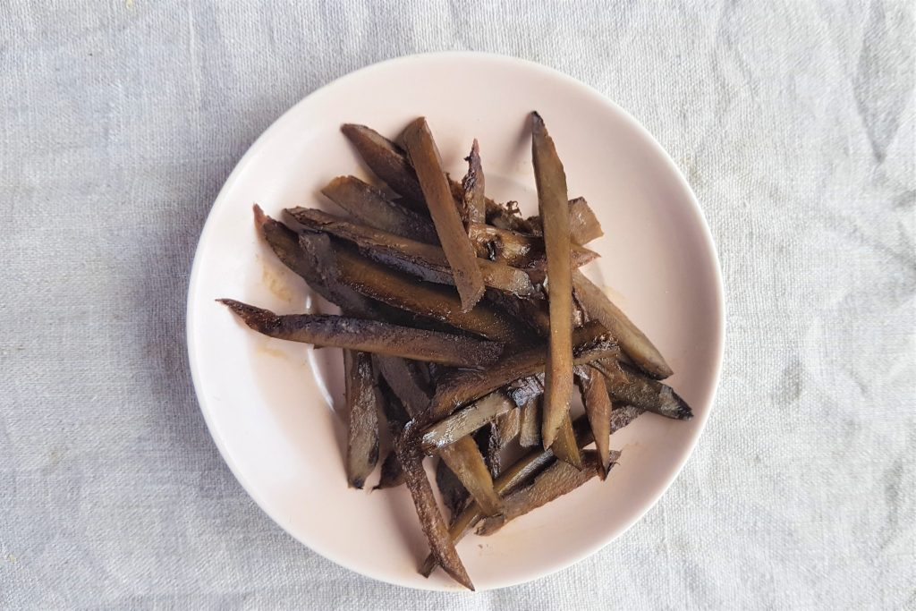 Simple recipes for using burdock roots