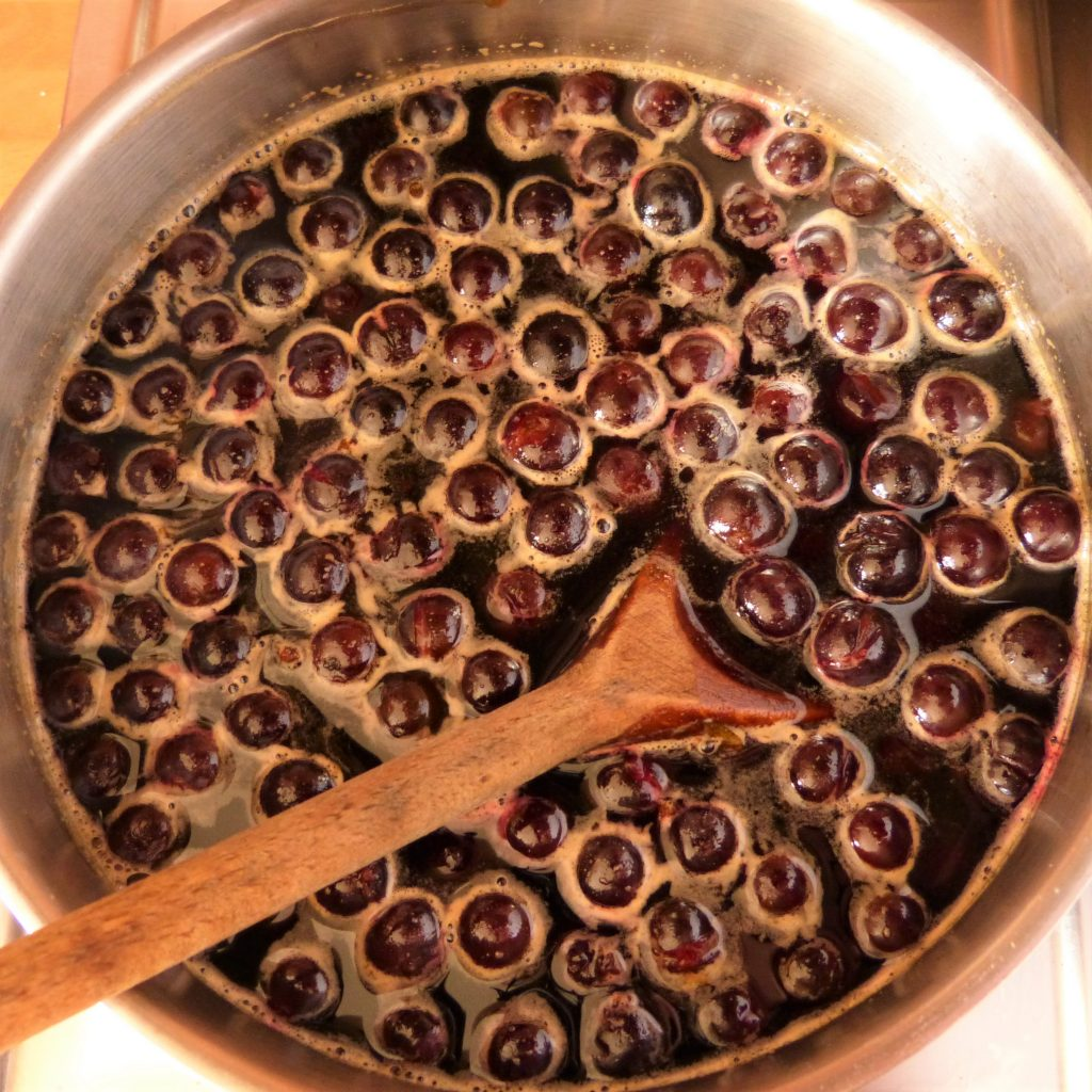 Making sloe syrup