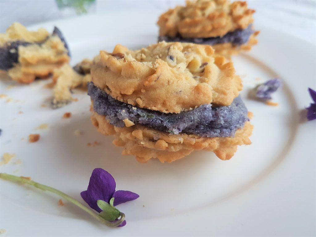 Foraged violets for homemade recipes